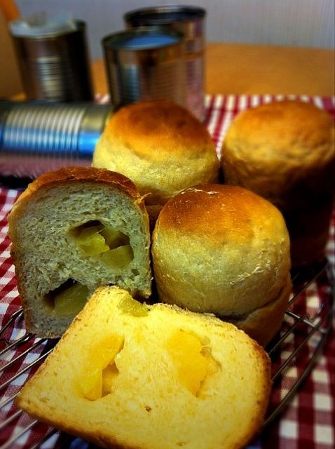 モモさんのみかんパンレシピとguuiiさんの空き缶パンレシピを合わせてパイナップルパン作ってみました。 発酵が足りなかったかな(>_<) 私にはハードルが高かった\(//∇//)\ - 39件のもぐもぐ - 空き缶でパイナップルパン by tomo