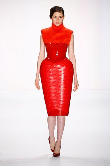 Marina Hoermanseder FW15/16 Berlin Fashion Week   http://www.fashiondays.ro/the-daily-issue/berlin-fashion-week/