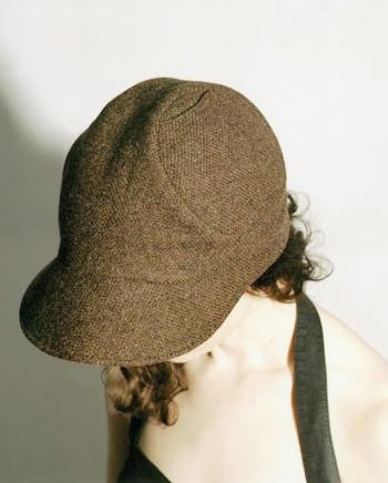 Hourglass cap, brown tweed