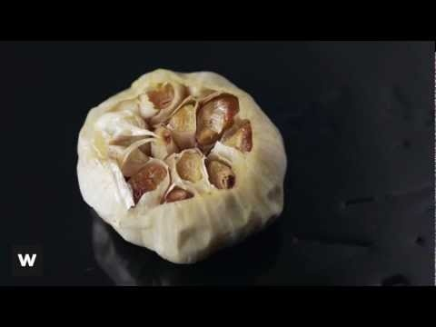Learn how to cook garlic in 3 ways using our simple how-to video :) www.woolworths.co.za/thepantry