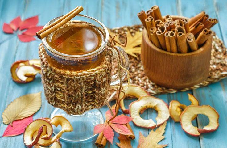 Ha tea vagy kakaó helyett valami másra vágynál a hideg téli estéken, próbáld ki ezeket a különleges forró italokat! Meglátod, egyből felmelegítik a szívedet-lelkedet az alábbi fűszeres, kényeztető, arcpirosító, finom ünnepi itókák!