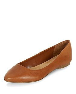 Wide Fit Tan Leather Pointed Pumps | New Look