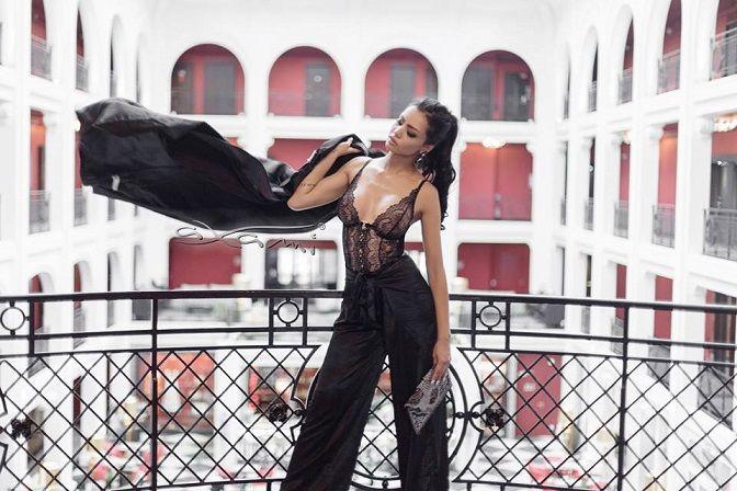 Axami Kobiecość, nieprzemijająca klasyka i szyk – tak w skrócie można określić wyznaczniki stylu, który króluje nad Sekwaną. Te trzy proste zasady sprawdzają się zwłaszcza wtedy, gdy mowa o bieliźnie… 😍 Zobacz więcej: http://feszyn.com/francja-elegancja-axami/  #bielizna #axami #underwear #francja #france