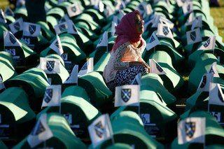 Wall | VK----Srebrenitsa katliamı 20. yıl dönümü