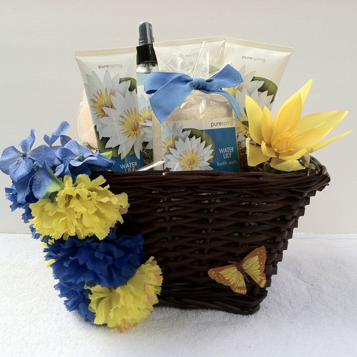 (Spa Gift Basket) Beautiful Spring Basket with everything you will need for spring or any time of the year.  Body lotion, Body Mist, Body Cream, Hand Cream, Sponge, Bath Salt.