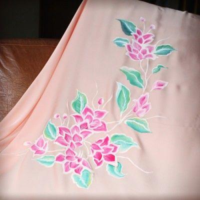 Kain Sutera Lukis Majestic Flowers - http://www.slightshop.com/produk/kain-sutera-lukis-majestic-flowers/