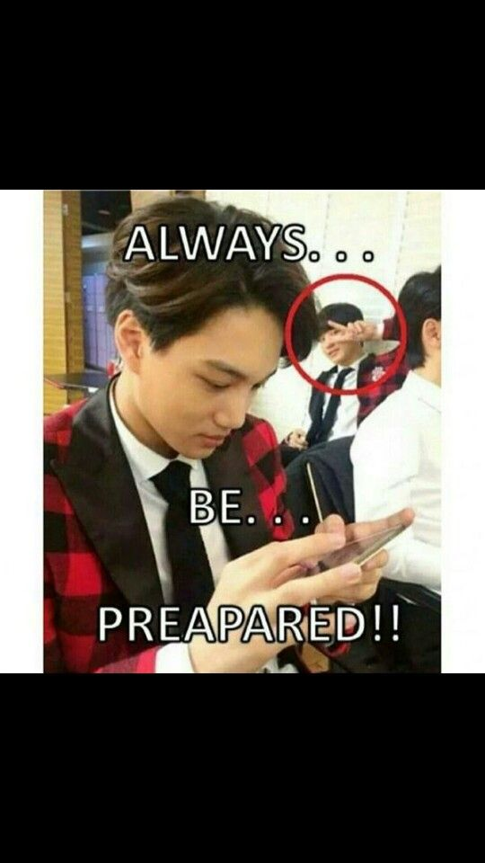 Haha XD Chanyeol <<-- well he is the photobomb King <3 <<--- Thats why I love him haha #PhotobombKing | Exo