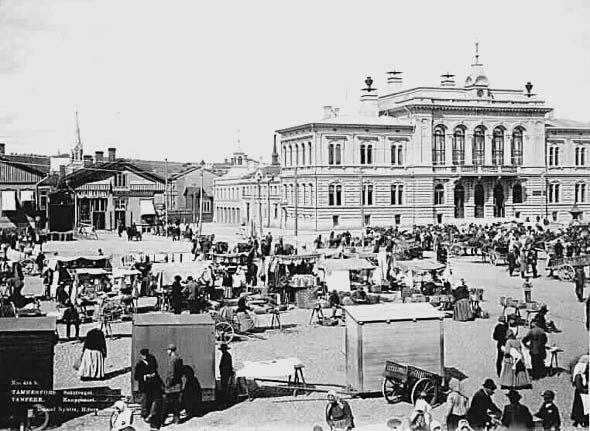 1800-1900-lukujen vaihteessa Tampereen torikauppiaista varsin suuri osa oli venäläisiä. Kuva: Daniel Nyblin, 1893, Vapriikin kuva-arkisto.