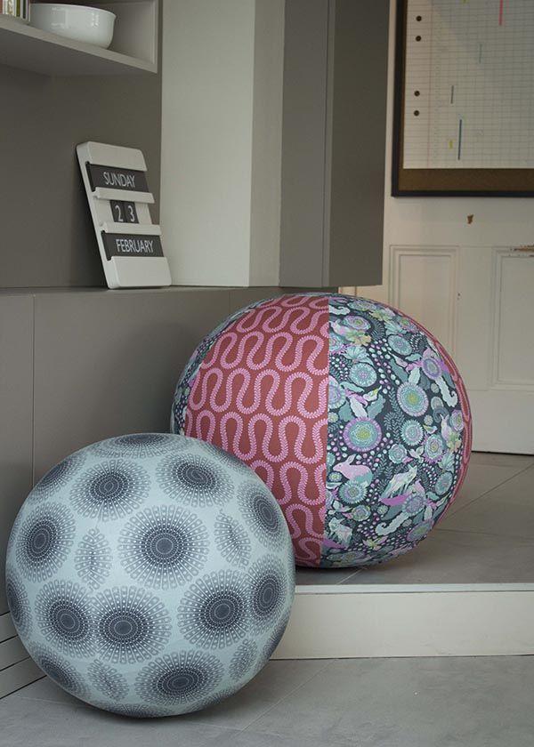 Stoffbezogener Sitzball - schnöder Gymnastikball bekommt eine selbst genähte Stoffhülle und wird damit zum Eyecatcher und Designobjekt