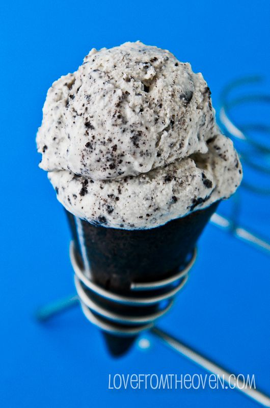 Easy Homemade Cookies And Cream Ice Cream RESULTS: I used about 25 Oreos (16 would be ok if you don't like A LOT of cookies). This is the best ice cream I've made so far
