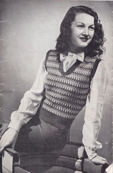 1940's sweater. How cute. #1940s fashion