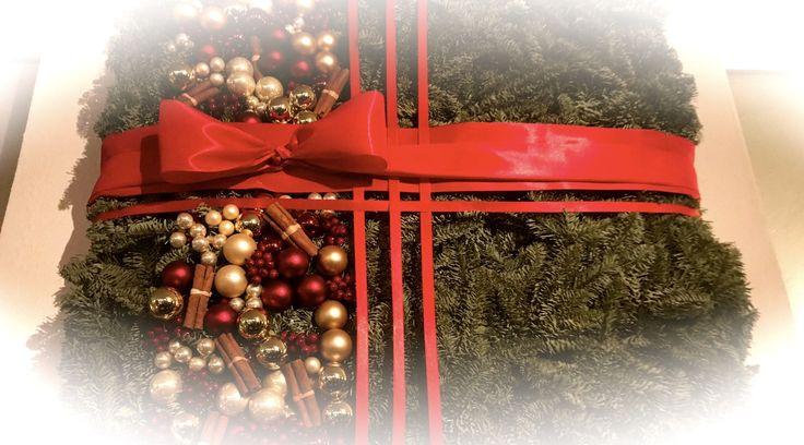 """Julerbjudande från VivBon Senior Service  Passa på att få lite avlastning i Julitider med VivBon Senior Service. Med våra Julfint priser 199kr/h (ink. RUT-avdrag)  Städning och julpyntning inför de stora helgerna. Hjälp med handling av Julmat och julklappar Hjälp med matlagning och förberedelser inför julfesten. Hjälp med logistik med resor till julfester.  Ring oss för att få en kostnadsfri konsultation eller boka här nedan och ange kampanjkod """"julfint"""""""