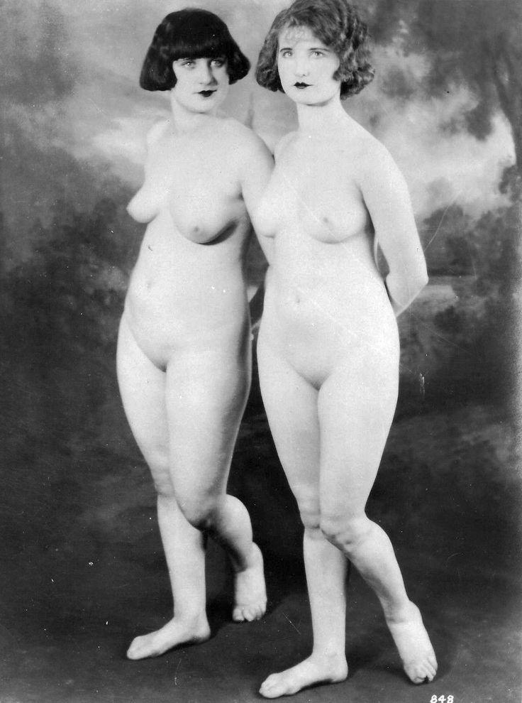 20s naked women