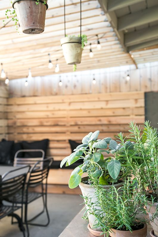 my patio: before + after. http://www.sfgirlbybay.com/2015/10/13/my-patio-before-after/