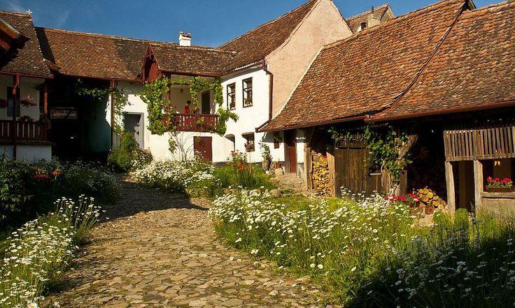 adelaparvu.com despre pensiunea Casa cu Zorele, case traditionale transilvanene - bed and breakfast Crit, Transilvania, Romania