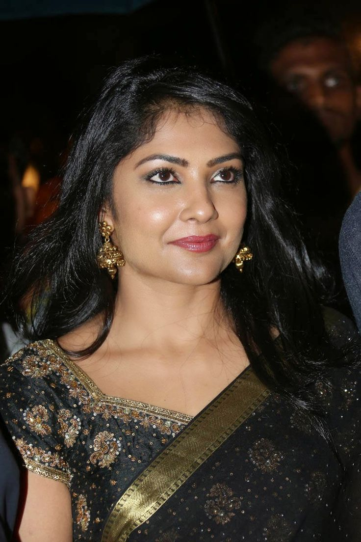 Kamalinee Mukherjee Navel Show Stills