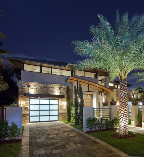Beautiful #architecture by Kevin Akey in Bloomfield, MI. Like the palm tree too! #modern #beautiful #design #home #house