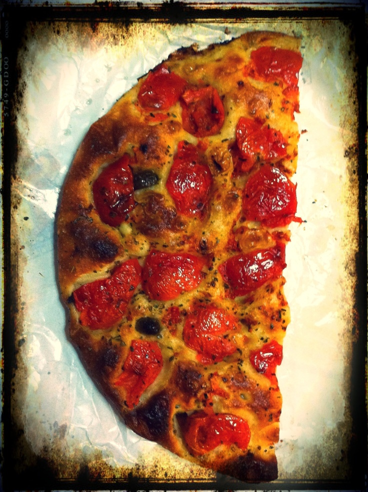 Real Focaccia from #Puglia: just tomato, extra virgin #oliveoil and oregano. #AriaLuxuryApulia