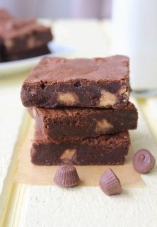 Peanut Butter Cup Truffle Brownies | Spoonful of Flour
