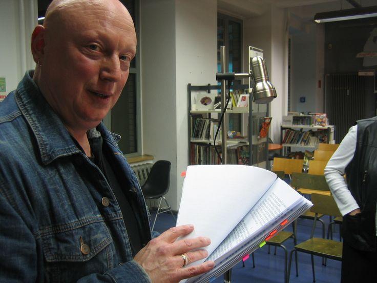 """Im Foto-Archiv """"gewühlt"""", entdeckt: Volker Niederfahrenhorst, unser """"Mabuse""""-Sprecher, damals ... bei einer Veranstaltung der """"HörGut"""", Berlin!"""