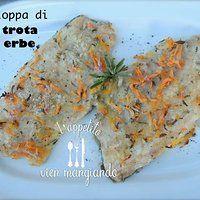 Valle d'Aosta - Scaloppa di trota alle erbe.semplice ricetta, ricca di sapore -  Ingredienti: filetti di trota, un panino bianco raffermo, salvia e rosmarino, basilico, timo e erba cipollina, aglio, vino bianco, carota, cipolla, olio d'oliva, sale e pepe. Accompagnare con dei pomodorini oppure degli spinaci al burro. Preparazione: http://cinziaaifornelli.blogspot.it/2013/06/cucina-valdostana-scaloppa-di-trota.html