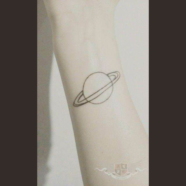 Ainda cicatrizando (Foto enviada pela cliente) #Tattoo #Tattooed #Ink #Inked #inktattoo #Planet  #Saturno