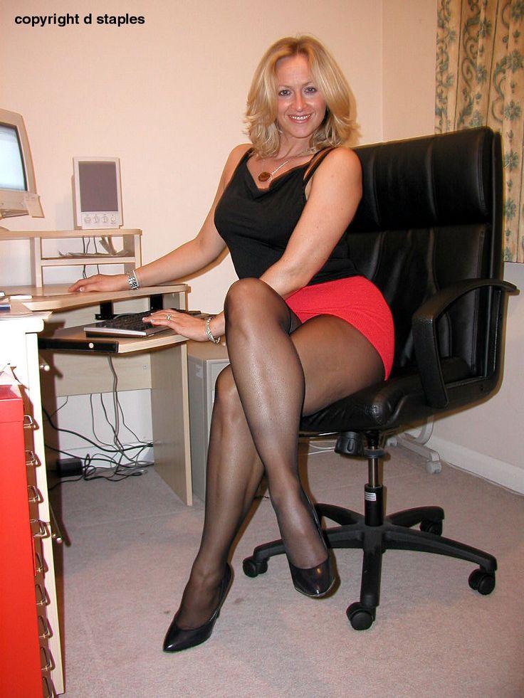 Sexy pantyhose legs pics-5470