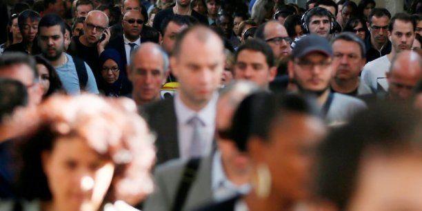 Pour trois salariés sur quatre, le fait religieux n'est pas plus visible dans leur entreprise, indique un sondage BVA pour mediarh.com. La majorité ne souhaite pas que ce sujet fasse intrusion dans la vie professionnelle.