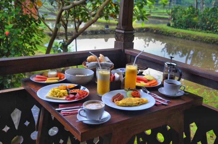 Hotele marzeń, Kajane Yangloni, Indonezja