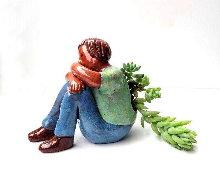 Bella escultura para suculenta. Hecha totalmente a mano. 11 x 13 cm aproximados. Pieza unica.