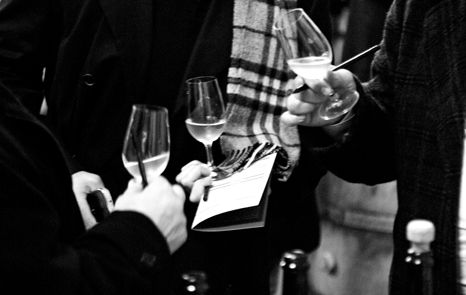 LIFE CAN BE PERFECT Magazine by Bollinger - A MAJOR PREMIERE - Clear Wines Week is the moment when the character of wines from the latest harvest is revealed.
