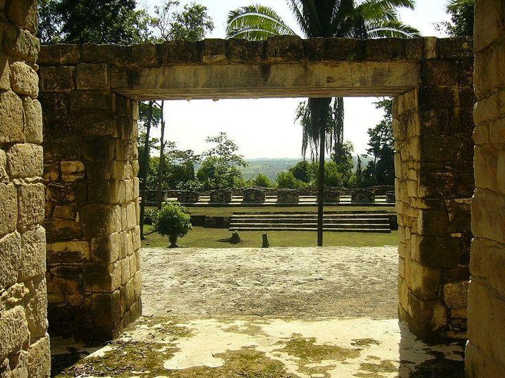 Maya site of Aguateca in Guatemala. Image: Sébastian Homberger (Public Domain)