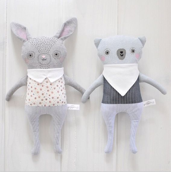 Ok how super beautiful are these handmade soft toys by mother/daughter duo Ez & Kaia Pudewa?