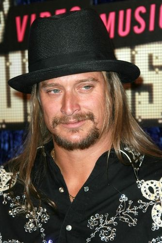 """Good Morning America: Kid Rock Performs New Song """"Chickens in the Pen"""""""