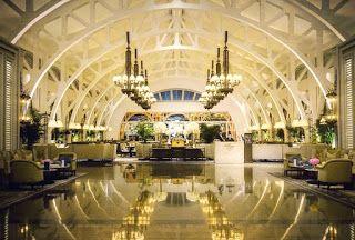 The Fullerton Bay Hotel - Singapore, salah satu hotel bintang 5 yang cukup populer yang terletak dekat Marina Bay. Ulasan tentang hotel ini dapat dilihat dalam Hotelspore.