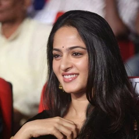Anushka Shetty- anushka,anushka hot,anushka photos,Latest News,movies,Wallpapers,Photos, Videos: latest anushka photos