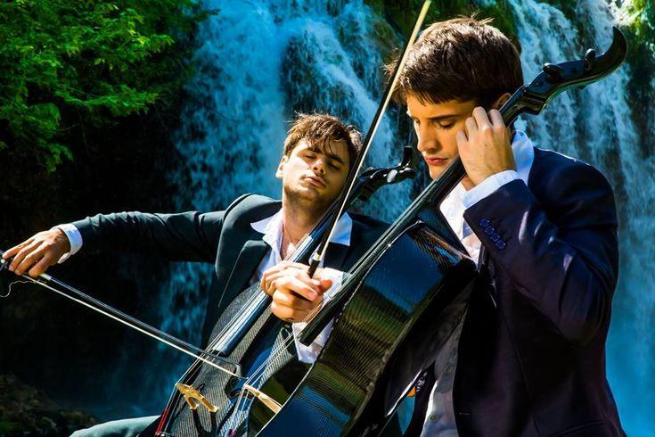 2Cellos va concerta iarna aceasta pentru prima oară în România.