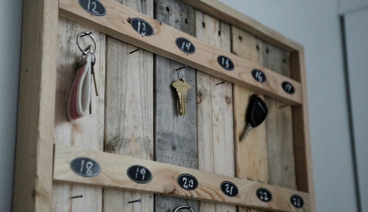 Ana White | Build a Reclaimed Wood Pallet Hotel Key Rack | Free and Easy DIY Project and Furniture Plans