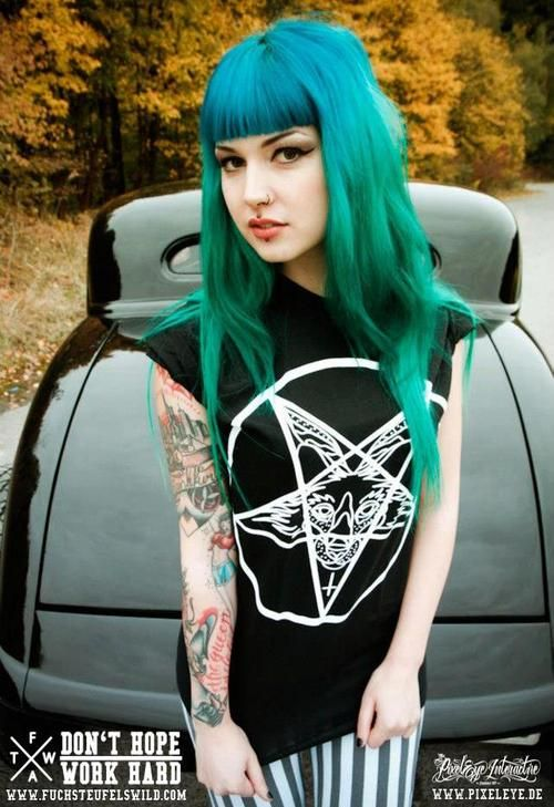 ✿⊱ Victoria Van Violence www.tattoodlifestyle.com www.altroyalty.co ⊱✿