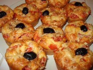 Un bon cupcake salé façon pizza !  http://cupcakeavenue.fr/45-cupcake-sale