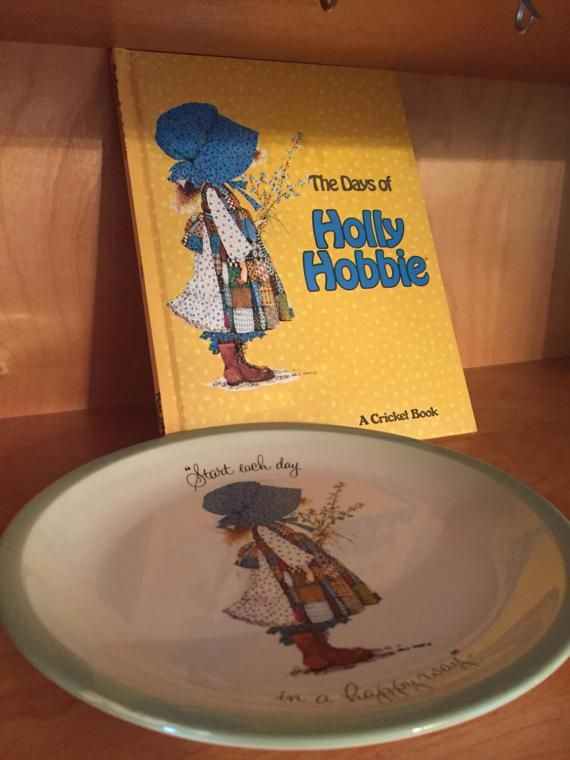 1973 Hollie Hobbie Dinner Plate & 1977 Book