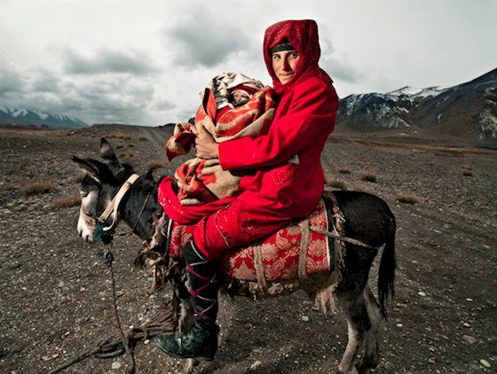 XinZhao Li Snaps Rare Photos of Remote Tajik People in China