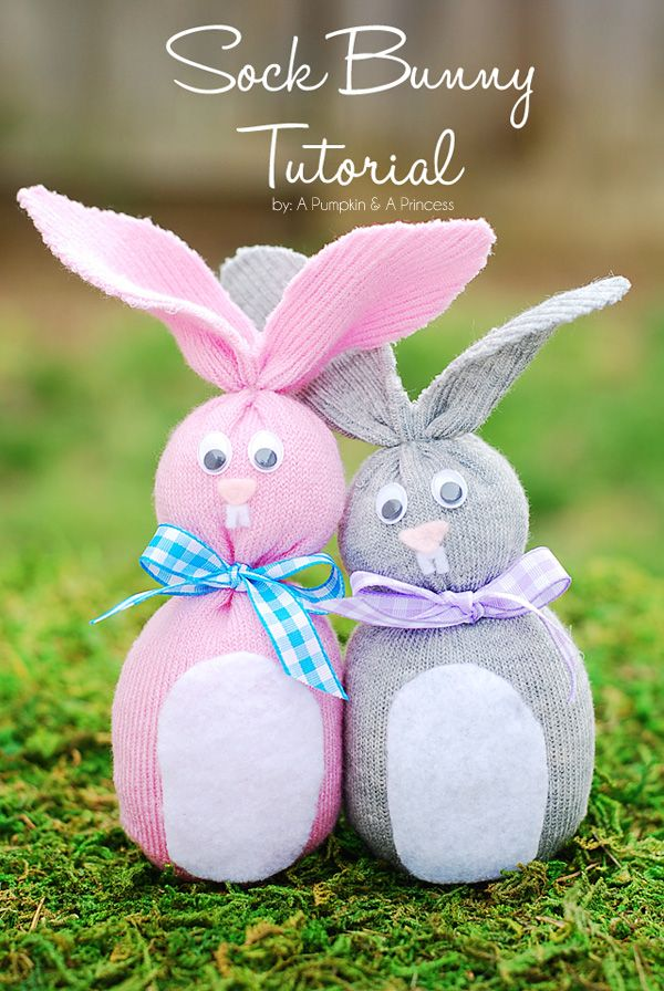Sock Bunny (Easter Crafts for Kids) from @Crystal Chou Chou Chou (APumpkinAndAPrincess.com). Perfect Easter craft or a useful idea for a bunny themed party!