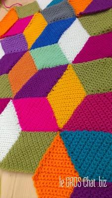DIY : un plaid au crochet, hyper coloré pour vitaminer l'hiver! tuto à télécharger ici : http://leblogpurple.com/2013/03/24/crochet-along-un-plaid-a-la-maniere-de-vasarely/tuto-a-telecharger-cal-vasarely-blanket-2/