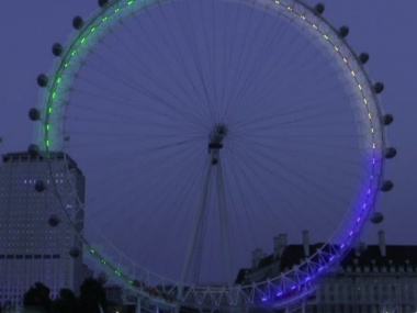 For Olympic Games, Tweets will turn the London Eye into Giant Mood Ring (via All Things D)