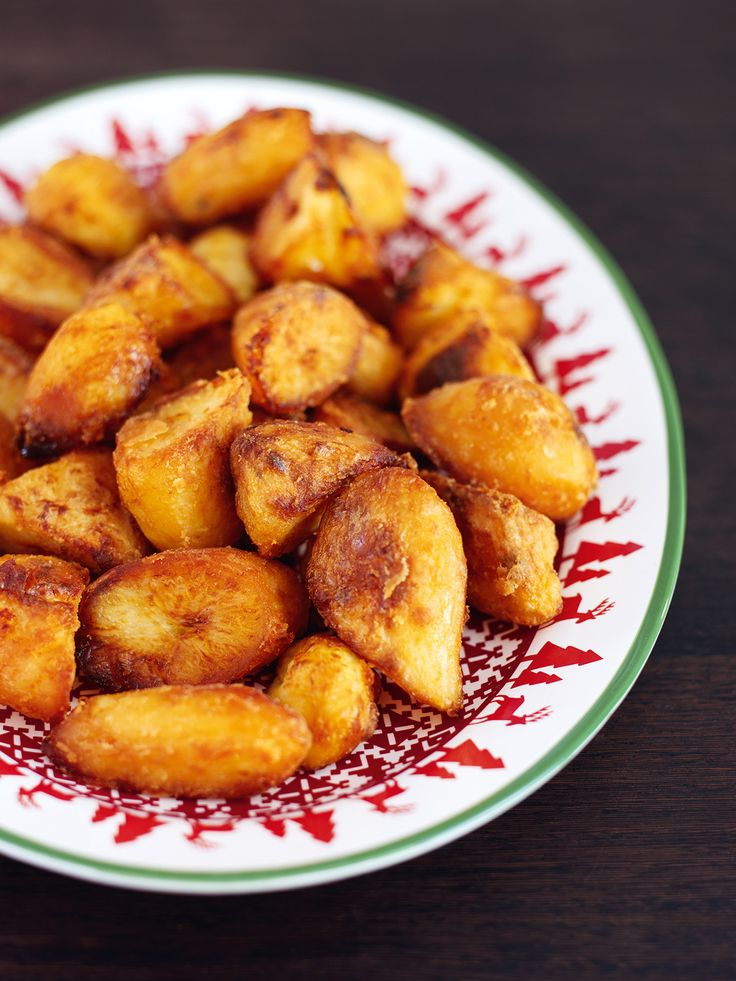 Nigella's crunchy roast potatoes - did it with only 1 cup of duck fat/1.5kg potatoes, and it was still plenty of grease!