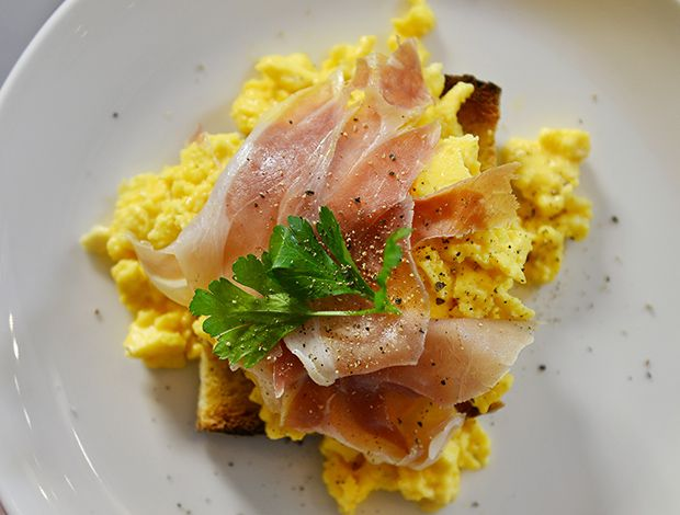 Happiness is the taste of scrambled eggs in the morning at New Taste! Photo by www.theeaters.gr