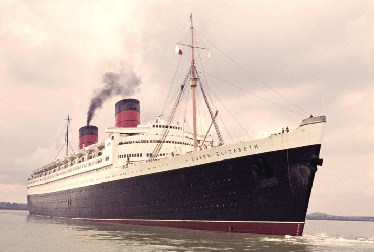 RMS Queen Elizabeth - Cunard Steamship Co 1940
