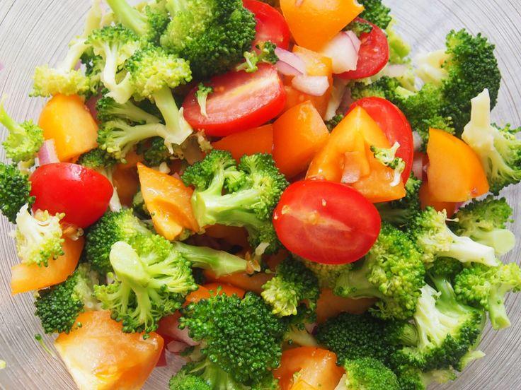 Fylt kylling med tomat og brokolisalat (Fitfocuse)
