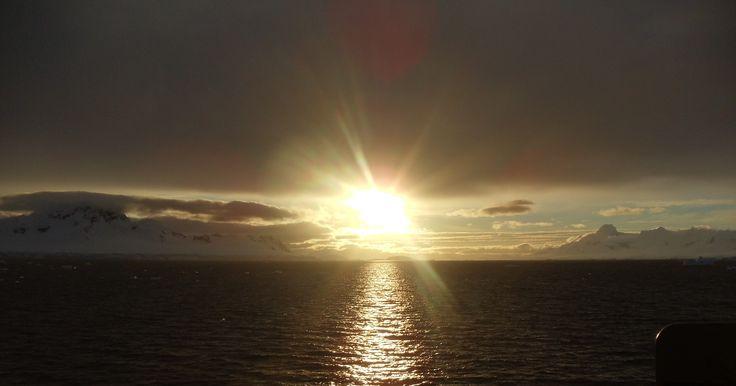 "Antártica, Archipiélago de las Shetland del Sur. ""atardeceres""."